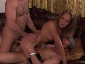 Sizzling Lauren May enjoys a rough double penetration
