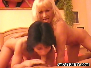 Amateur homemade threesome with wild cumshot