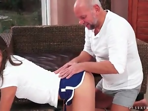 Teen does yoga and kisses old man
