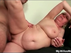 Young man with stamina fucks fat old bitch