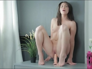 Naked hottie Fanti rides toy with bald pussy