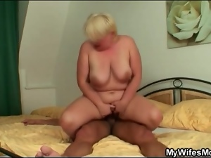 Fit young stud and chubby old lady have sex