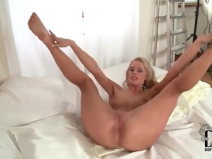 Lean body on this solo blonde is hot stuff