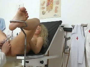 Blonde slut gets her cunt perversely examined