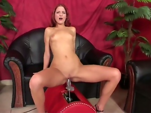 Red-head amateur rides the sex saddle