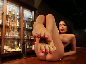 Footsie babe anissa kate plays with cake