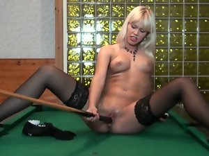 Blonde babe noleta solo action