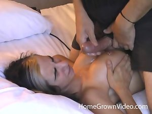 Cute babe with nice boobies gets nailed and facialed