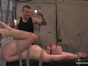 Lorelei Lee gets her ass stuffed with a hook and her vag drilled hard