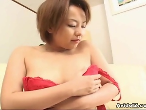 Cute Japanese babe sucks cock uncensored