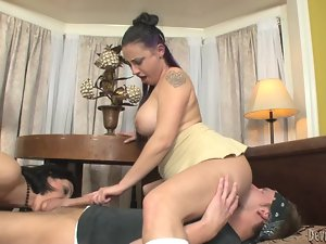 Two curvaceous ladies give an amazing double blowjob