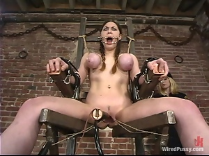 Mallory Knots gets brutally fucked with wired toys in BDSM clip