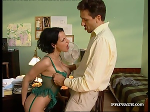 Some hardcore sex story in the office with Michelle Wild