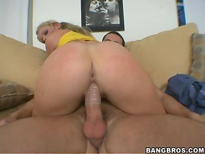 Blondie with a fine ass rides and gets cummed