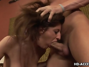 Enticing brunette Italia Christie endures rough mouth fucking