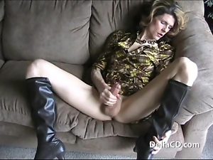 Hot tranny all dressed up and wanking