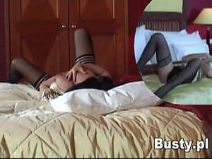 Babe spied on as she toys her pussy