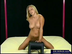 Amateur girls trys the sybian