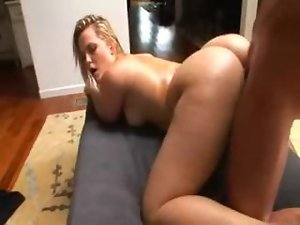 Big Booty Blondes in Heat