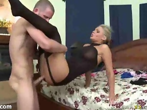 Sexy brunette in black stockings gets pussy licked and sucked