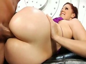 Brunette with sexy big round white ass gets pussy licked and fingered