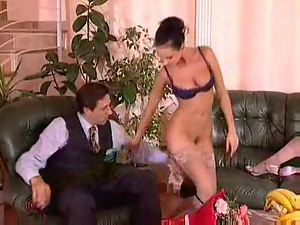 FFM Threesome Action with Hot Pussy Licking Bitches