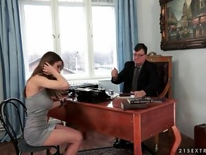 Business man blown by babe in sexy dress