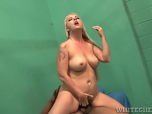 Interracial jail cell sex with curvy milf