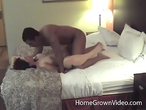 Amateur couple makes hardcore porn in a hotel room