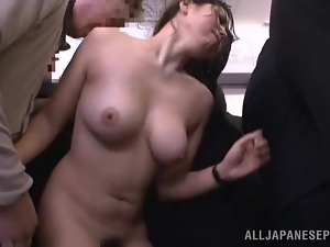 Japanese MILF gets her pussy licked and fingered in a bus