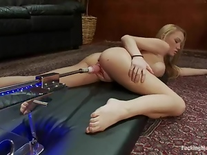 Gorgeous Madison Scott tortures her clit and gets toyed