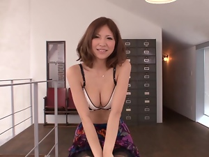 Sexy Saki Ninomiya undresses and shows her hot body