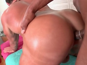 Gay masseur nailing straight male ass