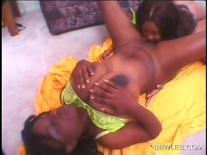 BB ebony lesbo pussy licked to orgasm on the floor