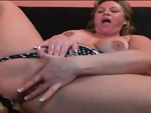 BBW lesbo blonde pussy licked and fingered deep