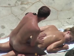 Guy gives a massage to his wide and drills her vag from behind