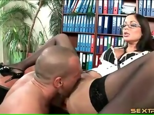 Secretary eaten out in stockings and bra