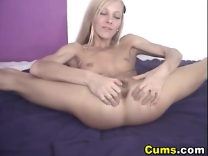 Cute Teen Blonde Playing Her Clit HD