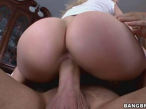 Ashley Fires Takes it in her Juicy Smooth Ass