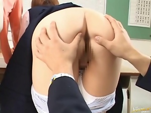 Babe gets sperm on tits