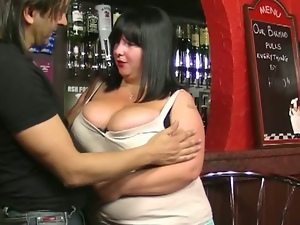 Bbw barmaid takes meaty tips