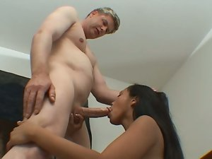Petite latina agrees to fuck a blonde guy