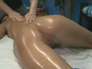 Erin stone gets first time pussy massage