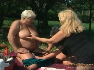 Bottle fucking granny ladies in threesome