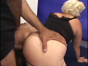 Experienced McCoy Gets Her Soggy Pussy Banged