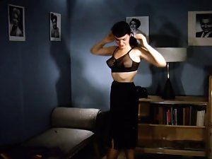 Bettie - Presenting Undressing (Color)