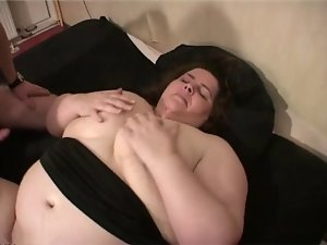 Chesty Cute bbw strokes and screws