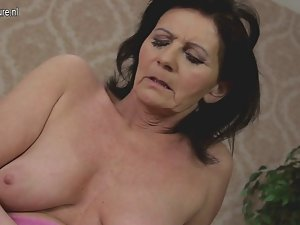 Amateur grandmother and her aged vulva