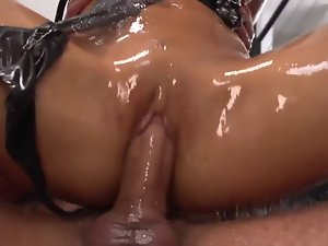 Asian girlie great oiled butthole