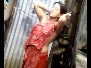 Desi Girlie Bathing Outdoor
